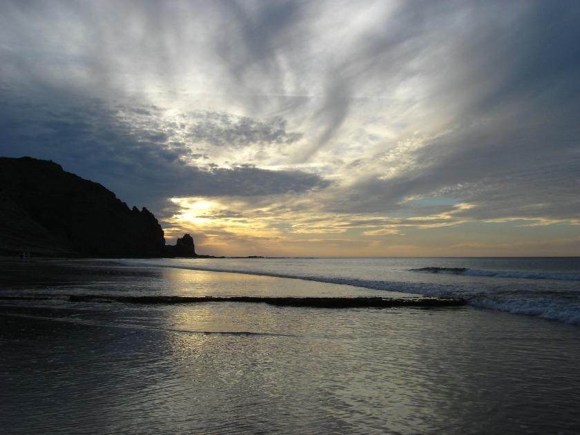 sun-rising-235539_1920