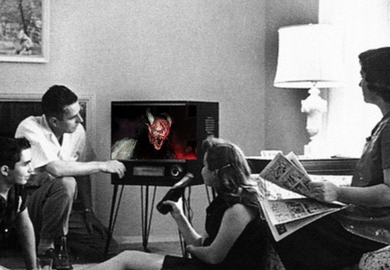 Family_watching_television_1958mit Monstergesvchnitten